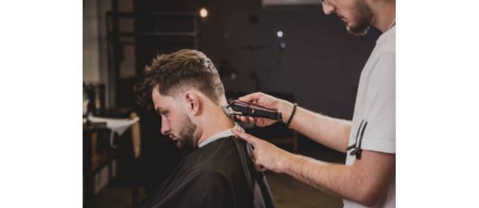 «Les coiffeurs pourront rester ouverts», annonce le gouvernement